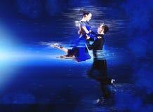 Para tancerze tanczy sala balową obraz stock