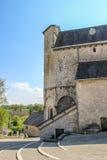 Para trás da igreja fortificada de Saint Julien, Nespouls, Correze, Limousin, França imagens de stock royalty free