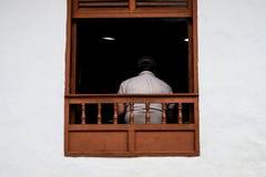 Para trás de um homem em Barichara Foto de Stock Royalty Free