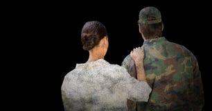 Para trás do soldado e da esposa contra o fundo preto com folha de prova do grunge ilustração do vetor