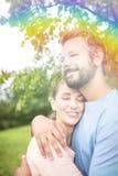 Para w miłości ściska w ogródzie Fotografia Stock