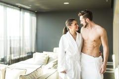 Para w pokoju zdjęcie royalty free