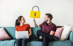 Para z cyber ochrony kędziorka ikoną obrazy royalty free