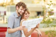 Para z projekta projekta budynkiem planuje plenerowego Fotografia Royalty Free