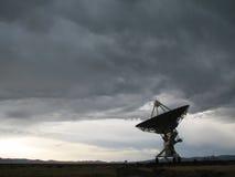 Paraboloïde d'antenne par radio image libre de droits