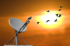 Paraboloïde et coucher du soleil Images stock