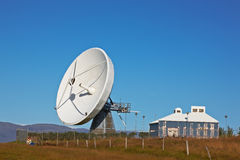 Paraboloïde de communications par satellites Images libres de droits