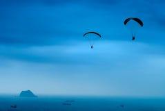 Paracadutare Fotografie Stock Libere da Diritti