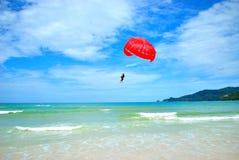 Paracadute con la barca di velocità Immagini Stock Libere da Diritti