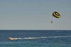 Paracadute dell'acqua in estate Fotografia Stock