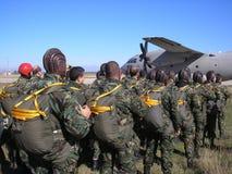 Paracadutisti fotografia stock libera da diritti