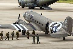Paracadutisti Dakota DC-3 Immagine Stock Libera da Diritti