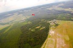 Paracaidista en el cielo Imagen de archivo libre de regalías