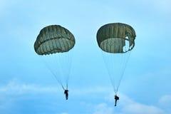Paracaidistas Fotos de archivo libres de regalías