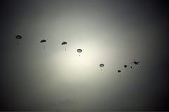 paracaidistas Foto de archivo