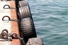 Parachoques del neumático del muelle Fotografía de archivo