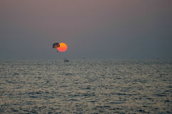 Parachute ascensionnel Photo libre de droits