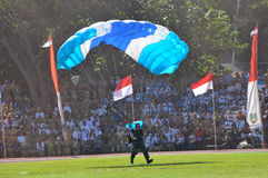 Parachuting attraction to celebrate Indonesian Independence Day Royalty Free Stock Photos