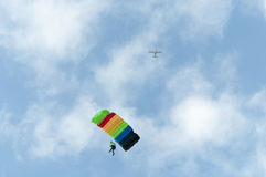 Parachutist and plane Royalty Free Stock Images