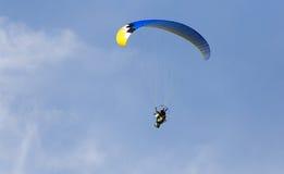 Parachutist in the sky Royalty Free Stock Photos