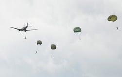 Parachutistes Photographie stock