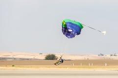 Parachutists приземление Стоковые Фото