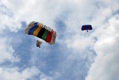 parachutists royaltyfri fotografi