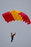 parachutists Royaltyfri Bild
