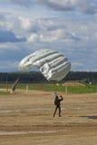 Падая parachutists Стоковое Изображение