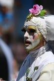 Parada alegre SF do hábito branco masculino da freira Imagens de Stock