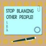 Parada conceptual de la demostración de la escritura de la mano que culpa a otras personas E libre illustration