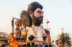 Parada da abertura de Viareggio da 145th edição do carnaval em Viareggio, Itália imagem de stock royalty free