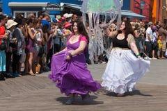 Parada da sereia de Coney Island imagem de stock royalty free