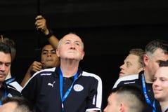 A parada da vitória de uma cidade inglesa de Leicester do clube do futebol, campeão da primeiro liga 2015 - 2016 inglesa Imagens de Stock Royalty Free
