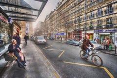 Parada de autobús en Franco-burgués del DES de la ruda imágenes de archivo libres de regalías
