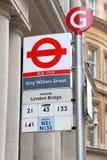 Parada de autobús de Londres fotos de archivo libres de regalías