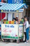 Parada de calle con las ensaladas de fruta en Vietnam Fotografía de archivo libre de regalías