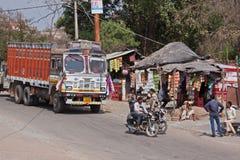 Parada de caminhão indiana Fotos de Stock Royalty Free