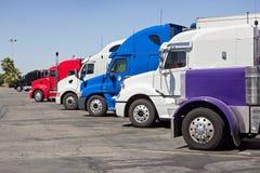 Parada de camiones imagen de archivo libre de regalías