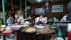Parada de la comida de la calle en Bangkok imagen de archivo