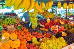 Parada de la mercado de la fruta fotos de archivo libres de regalías