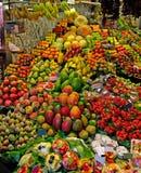 Parada de las frutas de Boqueria del La. fotos de archivo