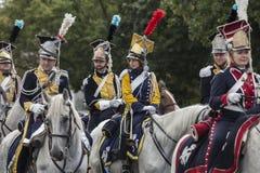 Parada de soldados poloneses em uniformes históricos Dia do exército polonês imagem de stock