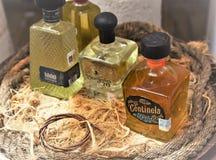 A parada de Tequilla, tequila famoso marca tudo junto fotografia de stock