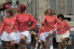 Parada de vestido de majorettes maduros Imagens de Stock