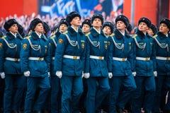 A parada dedicou ao 7 de novembro de 1941 no quadrado vermelho em Moscou 75th aniversário Imagem de Stock
