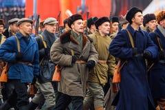 A parada dedicou ao 7 de novembro de 1941 no quadrado vermelho em Moscou 75th aniversário Imagens de Stock