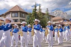 Parada do dia de Canadá em Banff Fotos de Stock Royalty Free