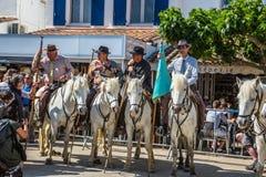 A parada do festival do mundo dos ciganos imagem de stock royalty free