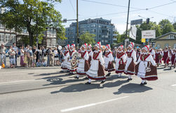 Parada do festival nacional estônio da música em Tallinn, Estônia Fotos de Stock